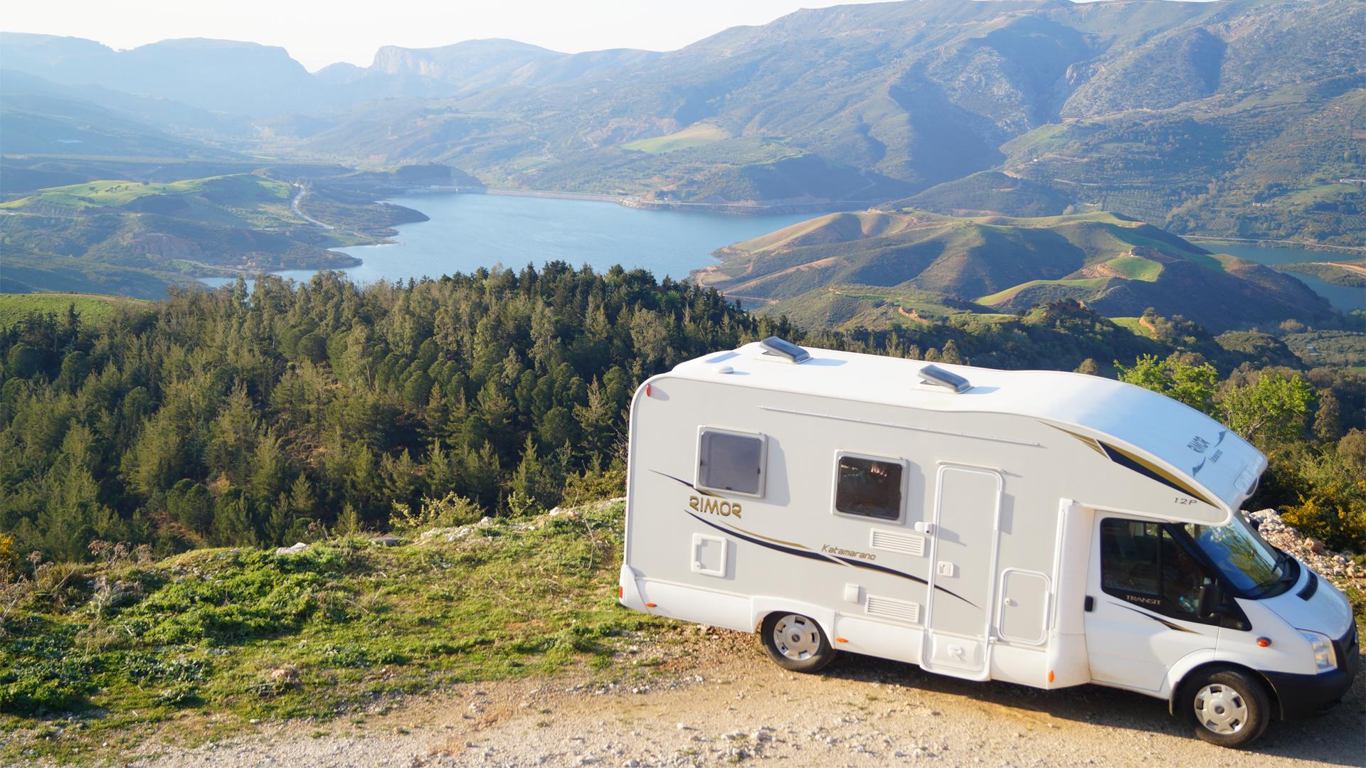 Location de camping car en cr te gr ce louez un camper for Tarif location garage pour camping car